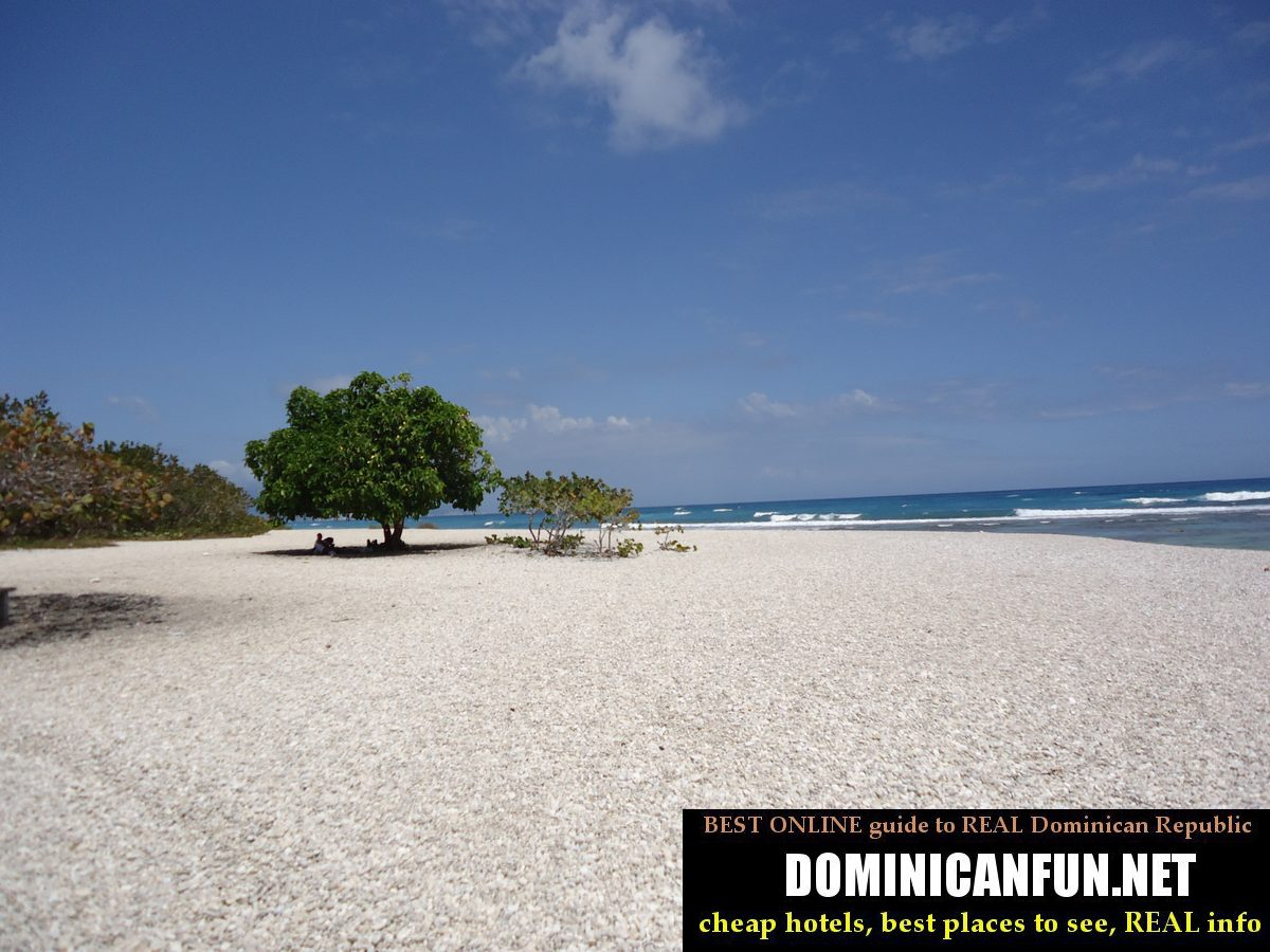 beaches in barahona province