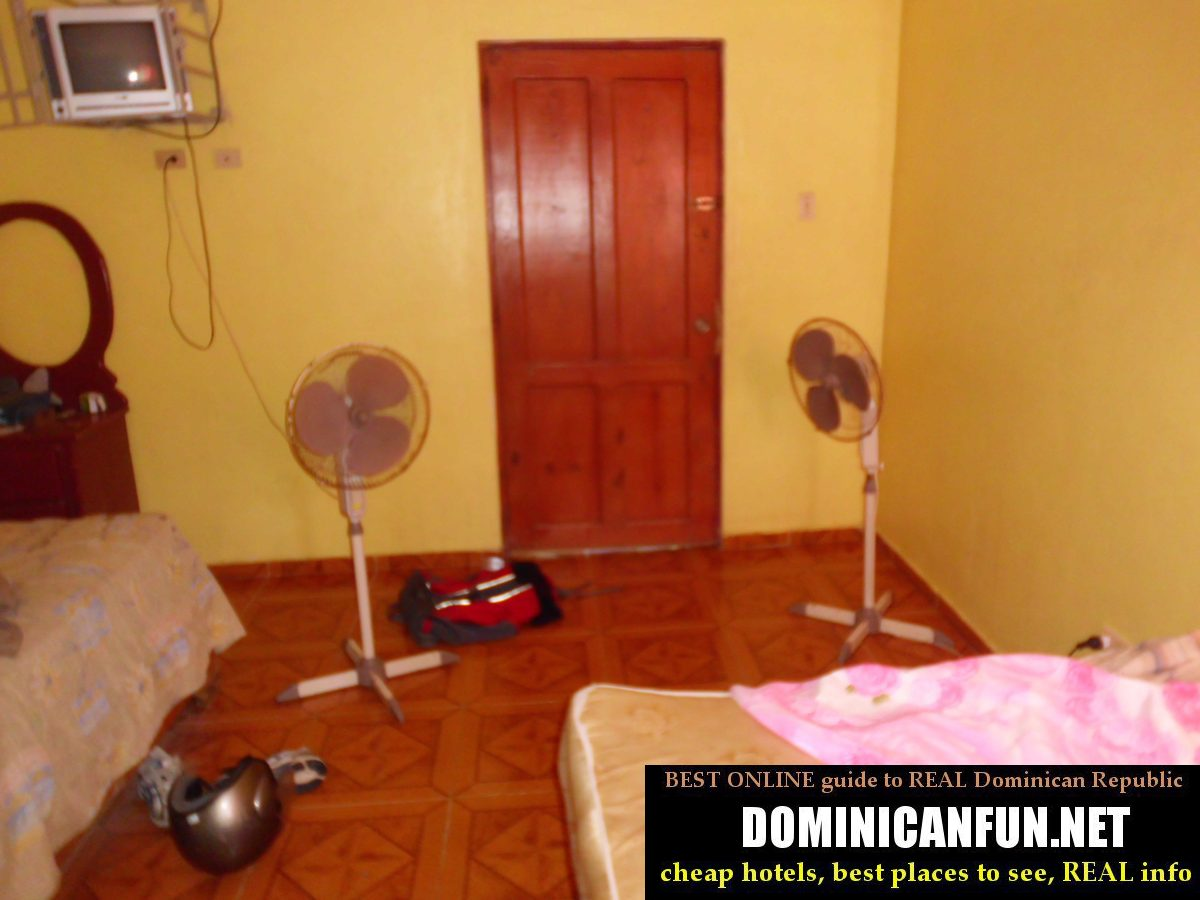 cheap hotel room in DR